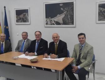 Fecoreva y Cajamar firman un convenio para facilitar la financiación a los regantes
