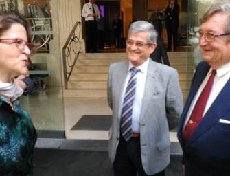 Fecoreva entrega el Manifiesto por el Regadío a la consellera Elena Cebrián